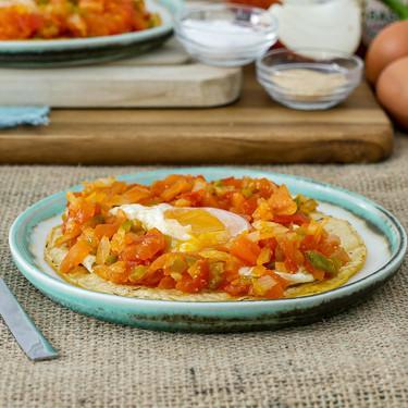 Cómo hacer huevos rancheros, vídeo receta del clásico desayuno mexicano