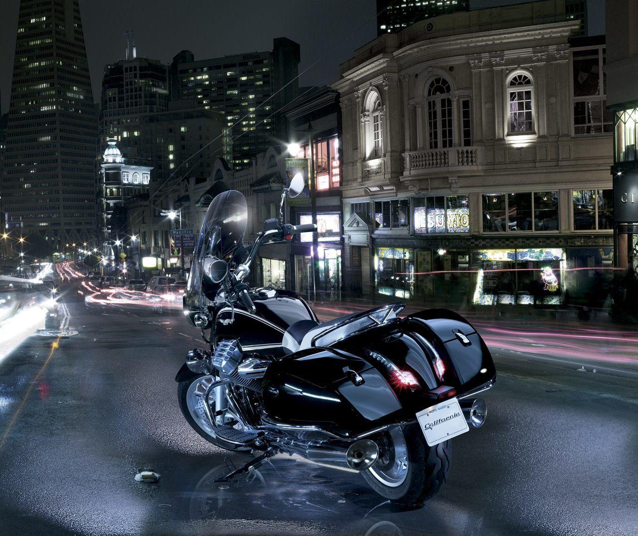 Foto de Moto Guzzi California 1400 Touring (1/37)