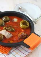Bonito con tomate y pimientos de bola. Receta