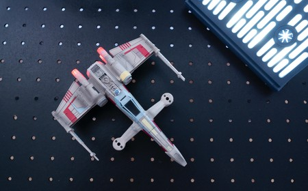 Así es volar un X-Wing: probamos el mini dron para los fans de Star Wars