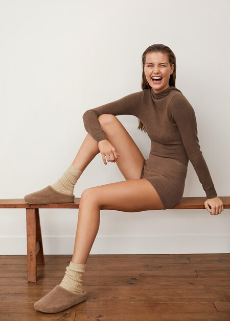 https://shop.mango.com/es/mujer/shorts/short-canale_77077635.html