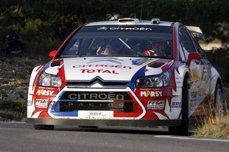 Los pilotos del WRC buscan alternativas para mejorar en el asfalto