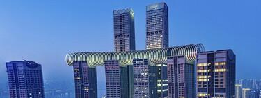 """China inaugura el rascacielos horizontal """"más alto"""" del mundo y es arquitectónicamente desconcertante"""