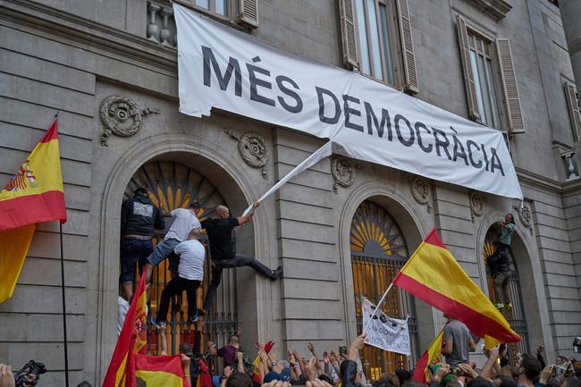 'Barcelona. Fotos prohibidas': Un libro recoge las imágenes censuradas de la historia (reciente y pasada) de la capital catalana