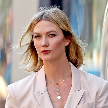 Copiamos, en versión low cost de Zara, el perfecto estilismo de Karlie Kloss para volver a trabajar