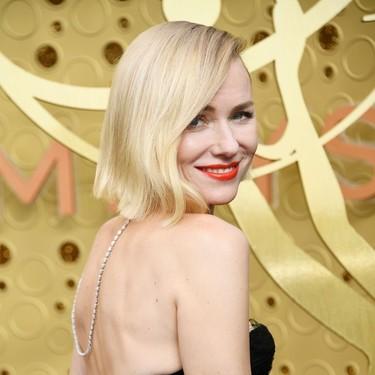 Naomi Watts luce así de impresionante en lo Premios Emmy 2019 y se gana el premio a una de las mejores vestidas de la noche