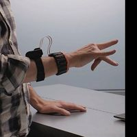 Facebook compra CTRL-Labs, una startup que busca controlar ordenadores con una pulsera en nuestra muñeca