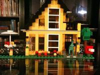 ¿Por qué son caros y populares los Legos?