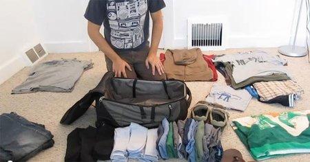 Haciendo la maleta en plan profesional para un mes