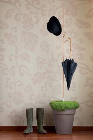 Una buena idea: aprovechar el agua del paraguas para regar plantas