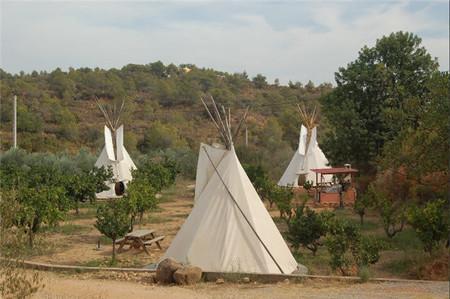 ¿Estás buscando alojamiento original para tus vacaciones familiares?, mira lo que te ofrece Campo Pedralba