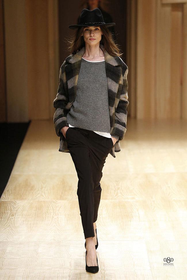 Foto de Mango abre la 080 Barcelona Fashion con su colección Otoño-Invierno 2014 y Toni Garrn (27/41)