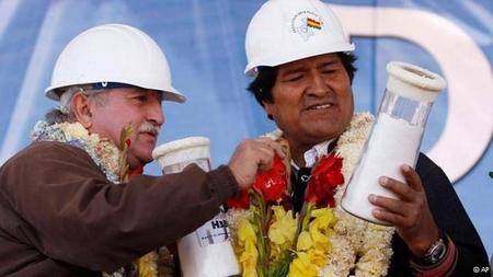 Bolivia inaugura una planta piloto para la fabricación de baterías de litio