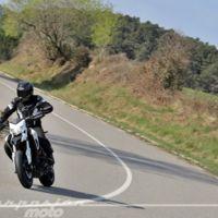 Así da gusto entrar en marzo: prueba de la Ducati Hypermotard 939, comparativa motos retro y MotoGP
