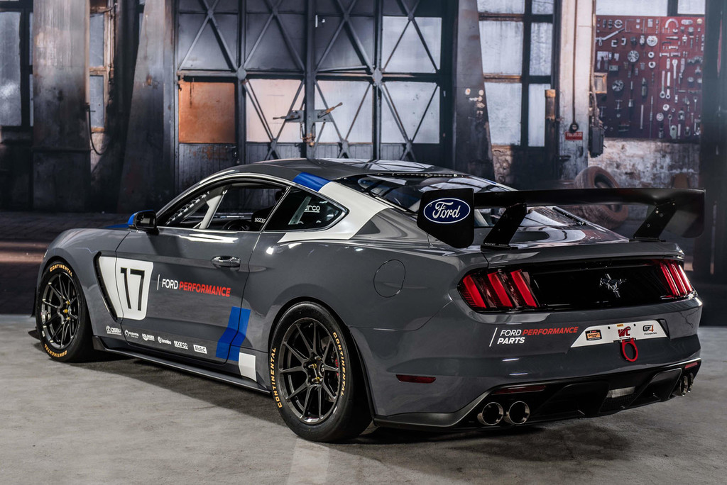 Ford Mustang GT4 Ford Performance Web 2