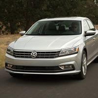 El Volkswagen Passat roza el final de sus días con un recorte de versiones