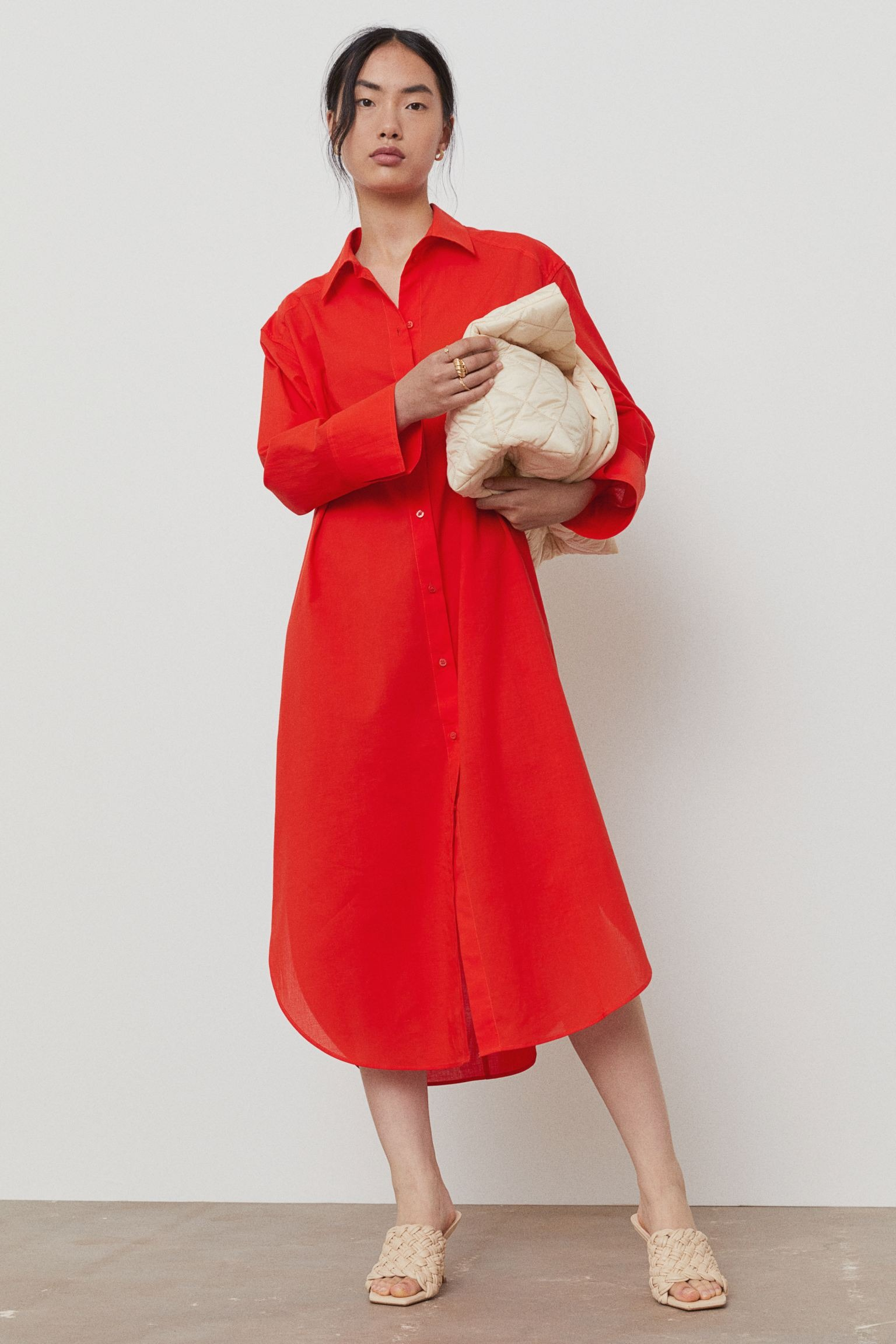 Vestido rojo camisero de H&M