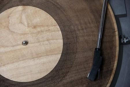 Si quieres que tus vinilos sean eternos, grábalos en madera, piedra o metal