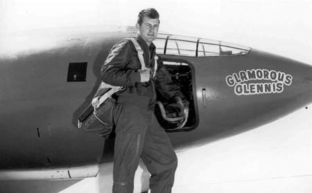 Chuck Yeager, el primer hombre en rebasar la barrera del sonido
