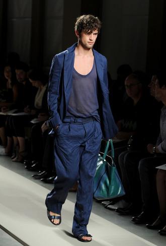 Foto de Bottega Veneta, Primavera-Verano 2011 en la Semana de la Moda de Milán (3/16)