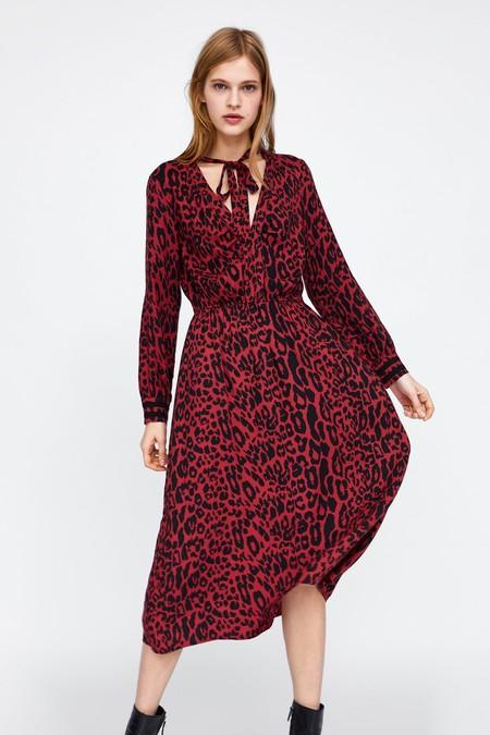 Los 15 vestidos de Zara para conseguir un look perfecto en