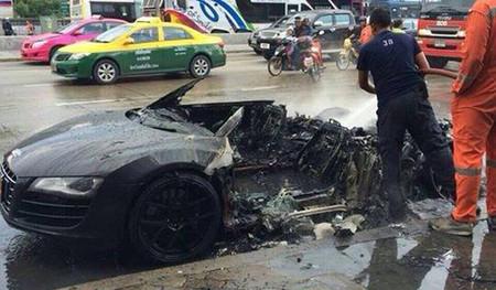 Dolorpasión™: Audi R8 churruscado a la tailandesa
