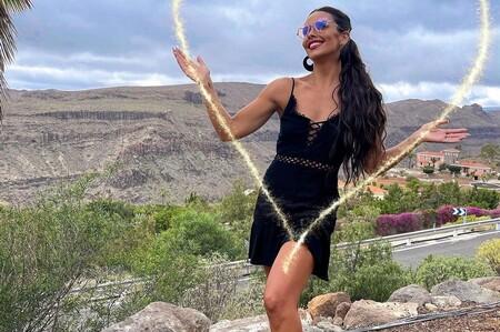Vestido negro, bikini y unas transparencias que dejan todo a la vista: Cristina Pedroche está que se sale en Love Island