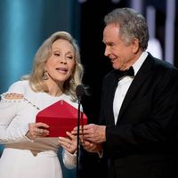 Hollywood ama las secuelas: Warren Beatty y Faye Dunaway volverán a presentar el Óscar a la mejor película