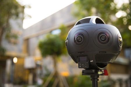 Insta360 Titan, esta pequeña y compacta cámara graba en 360 grados a resolución 11K
