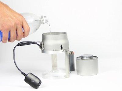 Con este cargador solo necesitarás una vela como fuente de energía: Candle Charger