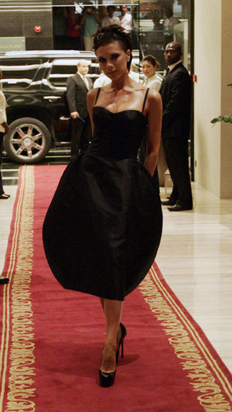 El look de Victoria Beckham en Dubai