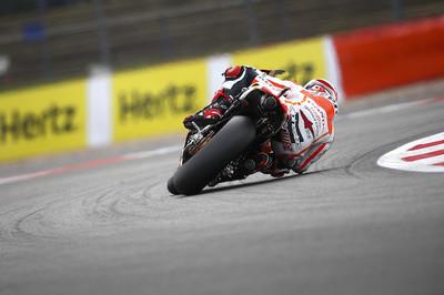 Motorpasión a dos ruedas: prueba Yamaha MT-03 y la gran batalla Márquez-Lorenzo en Silverstone