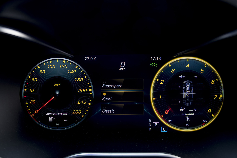 Foto de Mercedes-Benz Clase C 2018, toma de contacto (215/255)