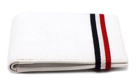 Cartera que simula los calcetines blancos deportivos de El Ganso