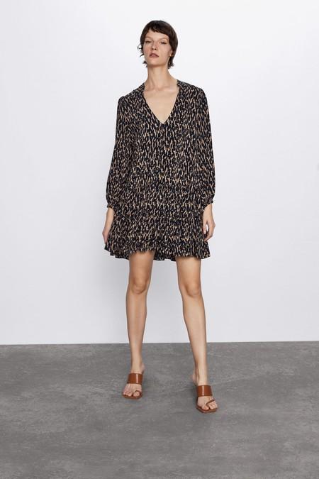 Vestido mini con escote pico y manga larga
