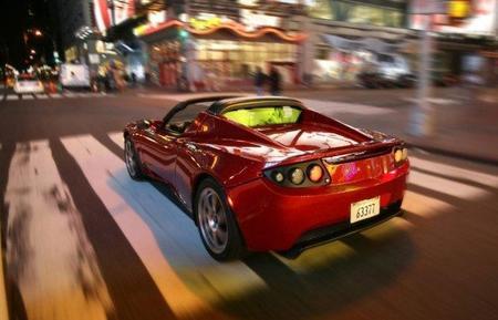 ¿Quieres un Tesla Roadster? tienes solamente dos meses