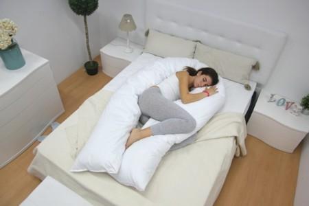 Abrazasueños, la almohada en forma de U que te ayudará a ser más feliz