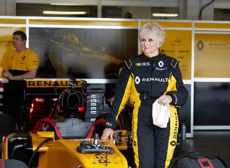Video: No necesitas ser un súper atleta para manejar un F1, sólo necesitas mucho talento
