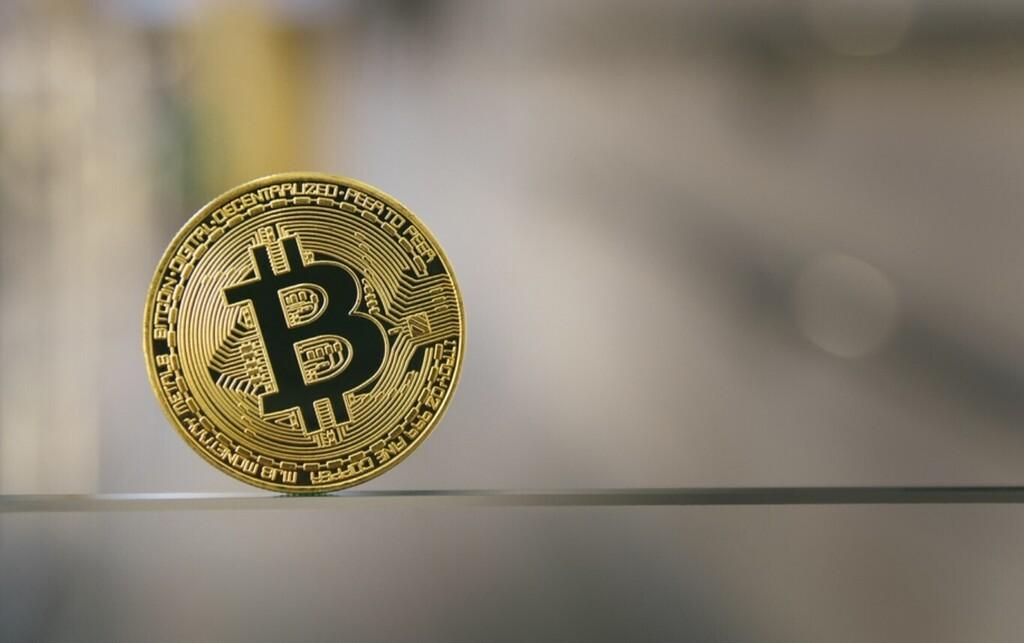 Suecia le debe 1,35 millones de dólares a unos traficantes de drogas: les confiscaron 36 bitcoins que ahora valen diez veces más