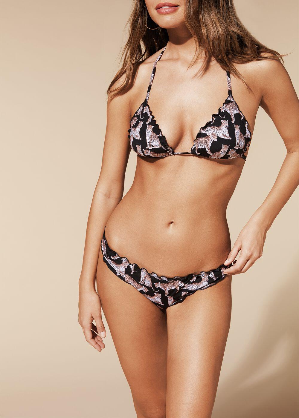 Top bikini con detalle de volantes