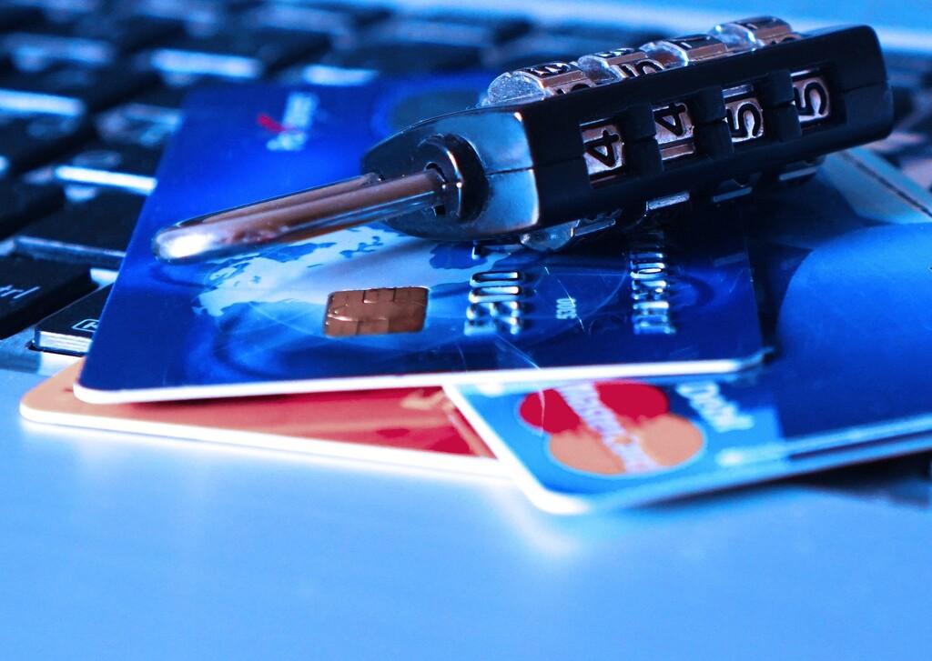 Santander, Bankia y otros bancos no te van a pedir tus datos por un nuevo servicio de seguridad: es una campaña de 'phishing'