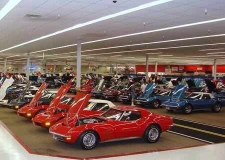 Cuando la afición por los Chevy se te va de las manos y te tienes que comprar un Walmart para guardarlos