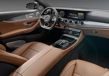 Mercedes Benz E Class 2017 1600 46