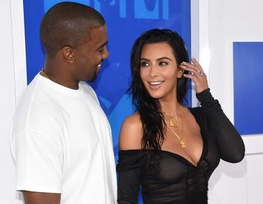 Kim Kardashian y Kanye West se apuntan a lo de tener gemelos, ¡qué se aparte Beyoncé!