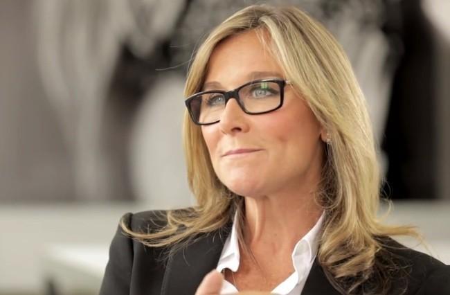 Angela Ahrendts Apple Burberry