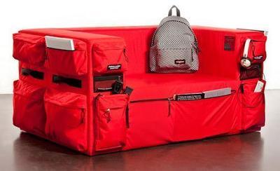Un sofá que quería ser mochila