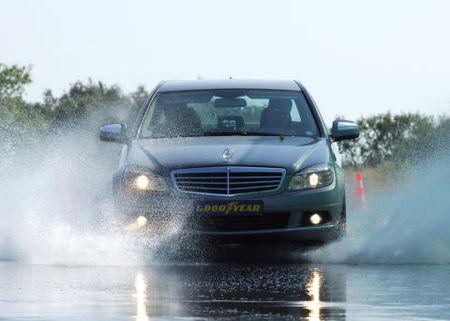 Mercedes Clase C con Goodyear Optigrip