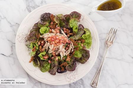 Ensalada de perdiz escabechada con granada y vinagreta de miel: receta de ensalada con un punto especial