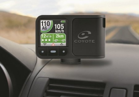 Mini Coyote Plus se centra en la información sobre la carretera