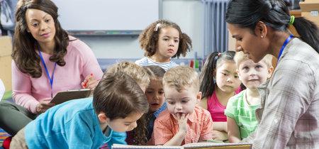 Cuando dejamos a nuestro hijo los primeros días en la escuela infantil: ¿qué sucede dentro del aula?